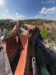 Above the castle (dieLeuchtturms) Tags: europa europe tschechien tschechischerepublik czechrepublic bohemia vltava krumau 3x4 moldau eskkrumlov bhmen echy eskrepublika jihoeskkraj crumlaw bhmischkrumau krummauandermoldau bohemiancrumlaw