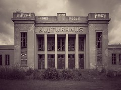 Kulturhaus (guydarit) Tags: usedom zinnowitz kulturhaus