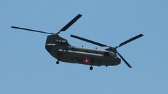 Chinook over the Hudson (blazer8696) Tags: 2016 beacon cornwalllanding ecw ny newyork t2016 usa unitedstates boeing ch47 chinook chopper helicopter img8311 rotorcraft
