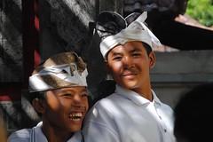 Balinais (maurice.vallet) Tags: bali costumes garons