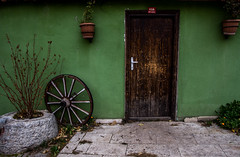 entrance (MrtBzts) Tags: door old house green wheel stone nikon turkiye entrance sigma eskisehir d7200