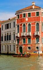 Venice : Rowers /  Club Ponte dei Sartori (Pantchoa) Tags: venice italy water boat nikon italia facades balconies venise venecia venezia italie venetie rowers veneto balcons d7100 clubpontedeisartori 1685f3556gedvr