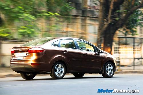 2015-Ford-Fiesta-Long-Term-06