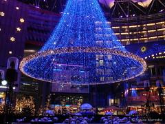 Leuchtendes Berlin 04 (Sockenhummel) Tags: berlin weihnachten fuji weihnachtsmarkt finepix sonycenter fujifilm dezember x20 weihnachtsbeleuchtung nachtaufnahmen fujix20
