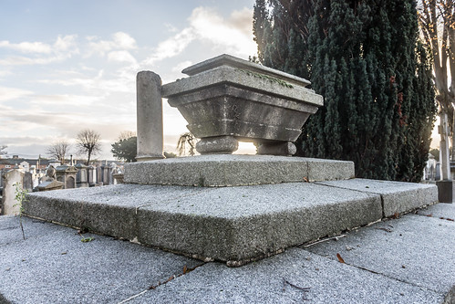 Mount Jerome Cemetery & Crematorium is situated in Harold's Cross Ref-100450
