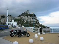 Gibraltar (Eolo2Ruote) Tags: road trip travel viaje bike honda freedom spain ride andalucia adventure espana dirt riding journey moto motorcycle hornet ontheroad strade viaggio spagna easyrider motocicletta diari controvento cb600f gibilterra dueruote