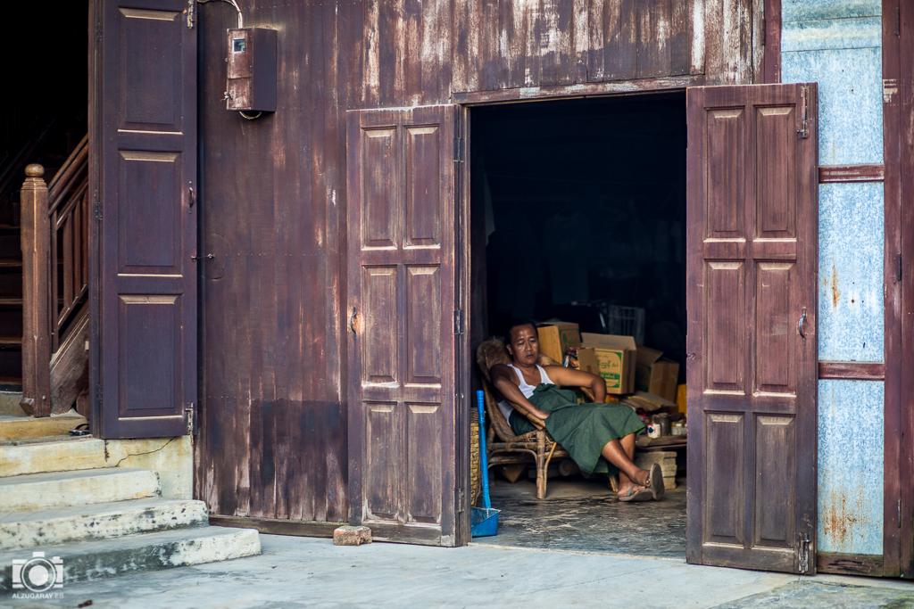 Siesta en Nyaungshwe (Myanmar)