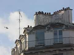 Horf (tofz4u) Tags: roof streetart paris graffiti tag toit antenne artderue hlicoptre 75011 horfe horphe