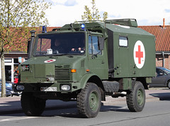 Unimog Ambulance (Schwanzus_Longus) Tags: auto red truck work germany army mercedes benz cross box outdoor military ambulance german vehicle powerful unimog fahrzeug bundeswehr sanka laster truch delmenhorst krankenwagen 1300l