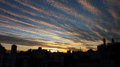 amanhecer gelado (Jakza) Tags: contraluz silhueta amanhecer celular nuvem frenteafrente duel challengegamewinner factorywinner monthlybeanstalkclimboff