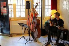 Inge Klinge & Jim van der Zee 7460-4_9113 (Co Broerse) Tags: music composedmusic contemporarymusic jazz amsterdam 2016 cobroerse redlightjazzfestival degecroonderaap ingeklinge vocals doublebass jimvanderzee guitar