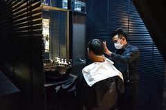 Siam Discovery His Lab Barberford Noir (RobertStockdill) Tags: barber siamdiscoveryshoppingcentre hairsalon asianman bangkok