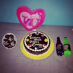Awww this was so sweet @belviclauronpullen, thank you mahal ko. My favourite cake  in the Philippines (samjpullen) Tags: ifttt instagram samjpullen awww this was sweet belviclauronpullen thank you mahal ko my favourite cake  philippines