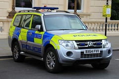 Metropolitan Police Mitsubishi Shogun Dog Section Car (PFB-999) Tags: dog colour london car wagon 4x4 police vehicle leds service van met shogun section metropolitan mitsubishi grilles k9 response unit the mps 2016 lightbar trooping bx64fvv