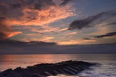 2016.06.18 宜蘭 / 永鎮濱海 (MaxChu) Tags: sea sunrise taiwan 台灣 海 宜蘭 龜山島 永鎮 永鎮濱海公園 永鎮濱海