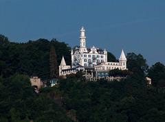 Luzern_055_280705_08'30 (eduard43) Tags: 2005 schweiz switzerland luzern stadt schloss gtsch schlosshotel