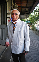 Mr Sadegh (Kombizz) Tags: portrait glasses photo mr iran tie oldman tehran whitecoat 2014 seniorcitizen sadegh 1393 5098 youngheart kombizz mrsadegh bazneshaste