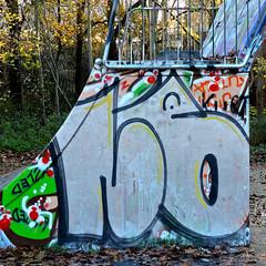 Den Haag Graffiti - LB (Akbar Sim) Tags: holland netherlands graffiti nederland denhaag lb thehague zuiderpark agga akbarsimonse akbarsim