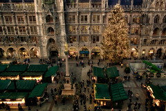 Marienplatz and Town Hall, Munich (suzanne~) Tags: christmas munich christmasmarket christmastree townhall marienplatz mariensäule
