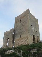 Ruined castle tower, Calatañazor, Spain (Paul McClure DC) Tags: españa castle architecture spain scenery historic castile castillayleón calatañazor june2014