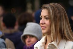 GIRL (filippo.bonizzoni) Tags: street portrait italy milan girl walking photography italia walk milano streetphotography piazza duomo ritratto reportage ragazza piazzadelduomo camminando ritrattoalvolo