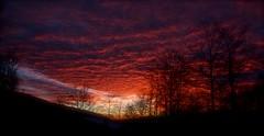 "guardando dalla finestra ("" paolo ammannati "") Tags: sunset raw tramonto tuscany toscana 1001nights chiusidellaverna paoloammannati"