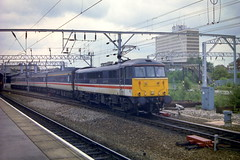 86 4xx (372Paul) Tags: station electric diesel crewe emu ac freightliner englishelectric ews class90 class86 class47 class37 regionalrailways class87 class325