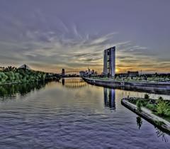 Sonnenuntergang am Main (meisternam17) Tags: skyline am sonnenuntergang hessen frankfurt main ffm ezb sdhessen
