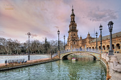 (106/16) Sevilla tiene un color especial ... (Pablo Arias) Tags: espaa photoshop andaluca spain arquitectura agua cielo nubes hdr texturas plazadeespaa photomatix parquedemaraluisa secilla nx2 pabloarias