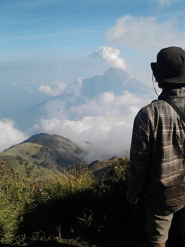 "Pengembaraan Sakuntala ank 26 Merbabu & Merapi 2014 • <a style=""font-size:0.8em;"" href=""http://www.flickr.com/photos/24767572@N00/27067842722/"" target=""_blank"">View on Flickr</a>"