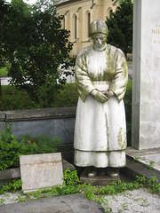 Stone Statue Grave at ale Cemetery, Ljubljana, Slovenia (Wiebke) Tags: ljubljana slovenia europe vacationphotos travel travelphotos ale alecentralcemetery cemetery centralnopokopalieale pokopalie beigrad bezigrad