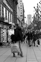 Happy (Isengardt) Tags: cinema tower love canon shopping germany happy deutschland eos 50mm kino couple europa europe stuttgart paar pedestrian gloria together lucky turm liebe prchen einkaufen glcklich badenwrttemberg tte frhlich zusammen einkaufsbummel 550d fusgngerzone fusgnger knigstrase