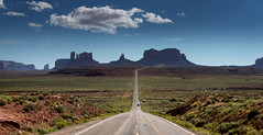 looking for a road... :) (alouest225) Tags: road usa landscape utah nikon unitedstates route d750 monumentvalley paysage etatsunis milemarker13