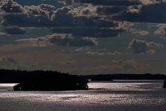 abends in den Schren (Geonaut) Tags: clouds sonnenuntergang dusk wolken isabelle dmmerung ostsee schren gegenlicht wellen inseln tallink skrgrden fhrestockholmriga