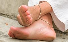 DSCF3796.jpg (taureal) Tags: feet female asian candid mature barefoot soles