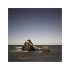 * Never Apart * (^soulfly) Tags: longexposure sunset seascape japan bwfilter meotoiwa weddedrocks mieprefecture isecity nd110 canon5dmark2 futamicho