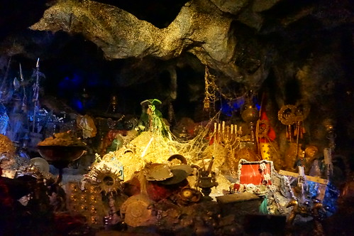 """Pirates of the Caribbean - Treasure Room • <a style=""""font-size:0.8em;"""" href=""""http://www.flickr.com/photos/28558260@N04/28338935904/"""" target=""""_blank"""">View on Flickr</a>"""