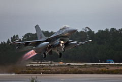 Lockheed Martin F 16 (JOAO DE BARROS) Tags: barros joo lockheed f16 military airforce takeoff aircraft aeronautical fly vehicle