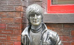 Liverpool - John Lennon (grab a shot) Tags: panasonic lumix gx80 england uk liverpool beatles fab4 statue johnlennon