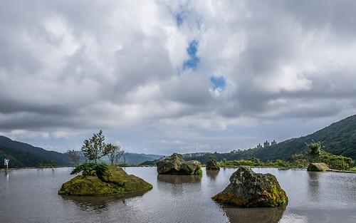 八煙聚落 - 水中央