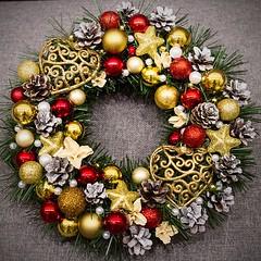 Stroik - czerwono-złote nr 1 / Wreath - red and gold no 1 (PawelPL) Tags: christmas red canon gold golden holidays shine hand handmade decoration balls garland made wreath ornaments 7d dslr czerwone złote święta bombki narodzenie boże złoto wianek ozdoba błyszczące