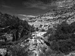 Gorges de la Meouge / Meouge canyon (CTfoto2013) Tags: light bw blancoynegro clouds river landscape noiretblanc riviere nb paca lumiere provence nuages paysage cascade hautesalpes meouge