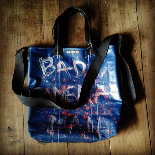 tote bag custom bag ผ้าใบเก่า เขียนลาย price 850 THB line bad_camera_man #bad_camera_man_bag #handmade #custom_made #vintage #art #fashion #desing #streetfashion #lookremag #cheezelooker #chiang_mai #thailand