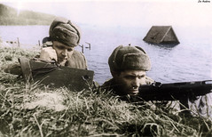 Soviet Signalers: Guard sergeant PI Abramenko and Private EG Pasechnaya - west bank of the Oder River - April 1945 (Za Rodinu) Tags: world 2 man men history vintage soldier war gun russia military rifle rifles front german weapon ww2 soldiers historical guns 1942 1945 rare troops 1944 1943