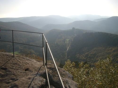 Blick hinunter zum Fleckenstein