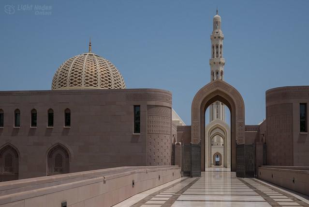 Sultan Qaboos grand mosque, Mascat, Oman