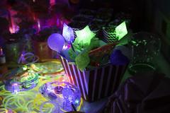 Estrellas y Baritas (Jos Ramn de Lothlrien) Tags: party disco neon dj fiesta jr cumpleaos baile multicolor brillante polvo celebracion barrido producciones festejo neonparty fiestaneon polvosos