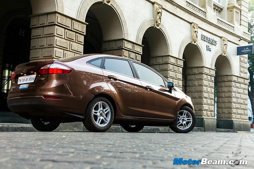 2015-Ford-Fiesta-Long-Term-03