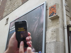 Space Invader PA_665 (the flashing of ...) (tofz4u) Tags: selfportrait streetart game paris tile mosaic spaceinvader spaceinvaders smartphone invader mosaque artderue jeux 75016 andoid pa665 samsungs4mini flashinvaders