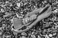 Torn (TD2112) Tags: shells beach shoe stones pebbles torn hastings discarded silverefexpro tonyduke